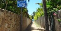 Kahala Beach - This is the sign you are looking for, follow it to the ocean, enjoy.