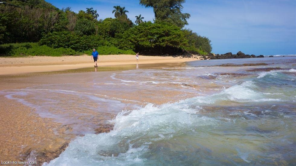 Ha Ena Beach Park Maniniholo In Kauai Haena Hawaii